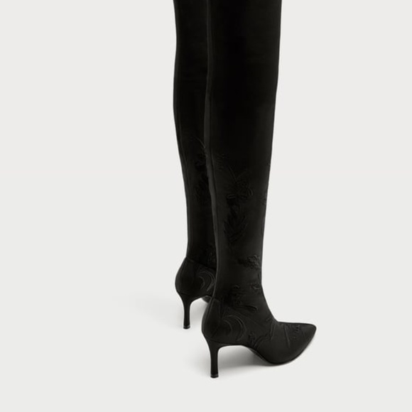 21acf045eab Zara Thigh High Boots with Floral Embroidery